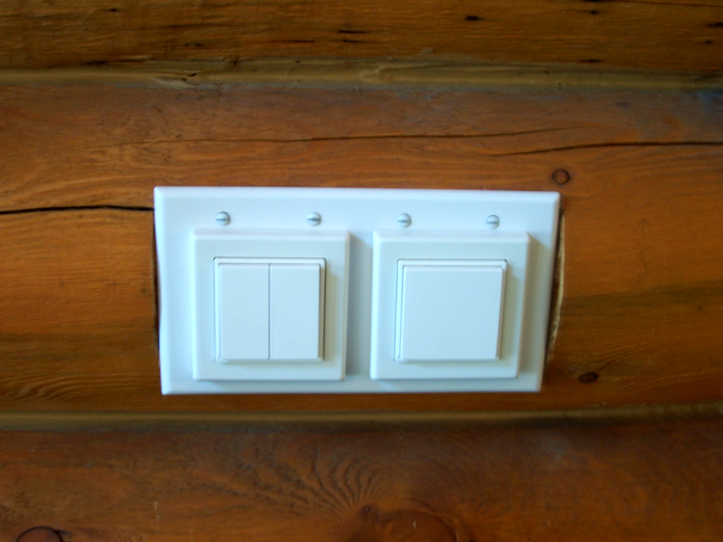 Ad Hoc Electronics Promotes EnOcean Products for Wiring Log Homes.